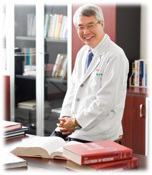 Dr. Hwang Sung Joo ,M.D. & Ph.D. in College of Medicine, Seoul University, Seoul, Korea. Chancellor Kumi University